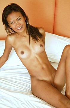 タイ美少女 22歳 Bli ブリちゃんは白人のチンコが大好きなタイ痴女