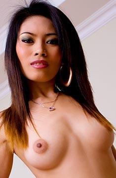 Fai ファイは22歳タイの美人でかなり細身