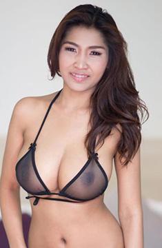 Gカップ爆乳タイ人20歳のTittipornはゴーゴーバーやマッサージ屋でエロい事やってるスタイル抜群な若いタイ美女です